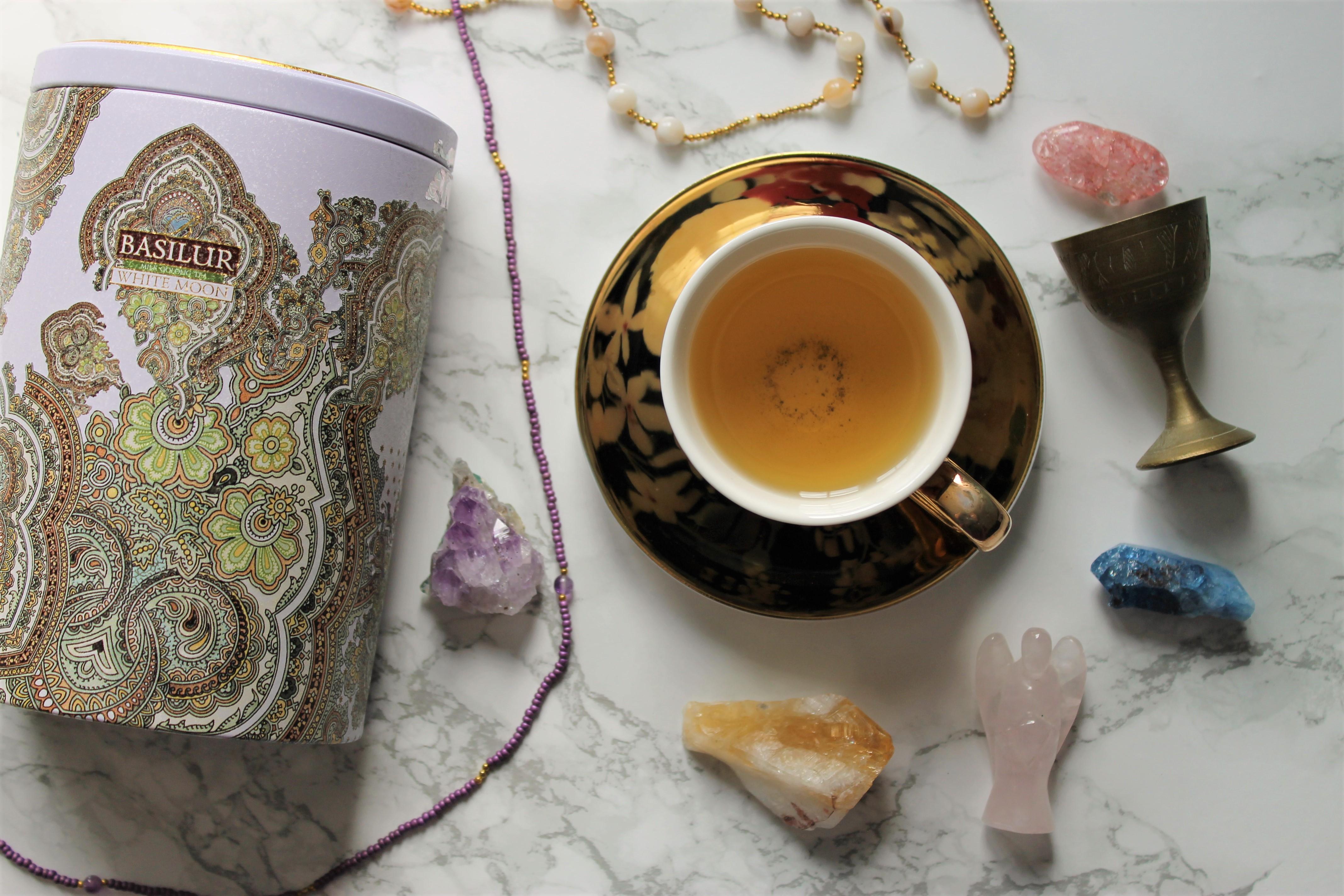 basilur white moon tea review