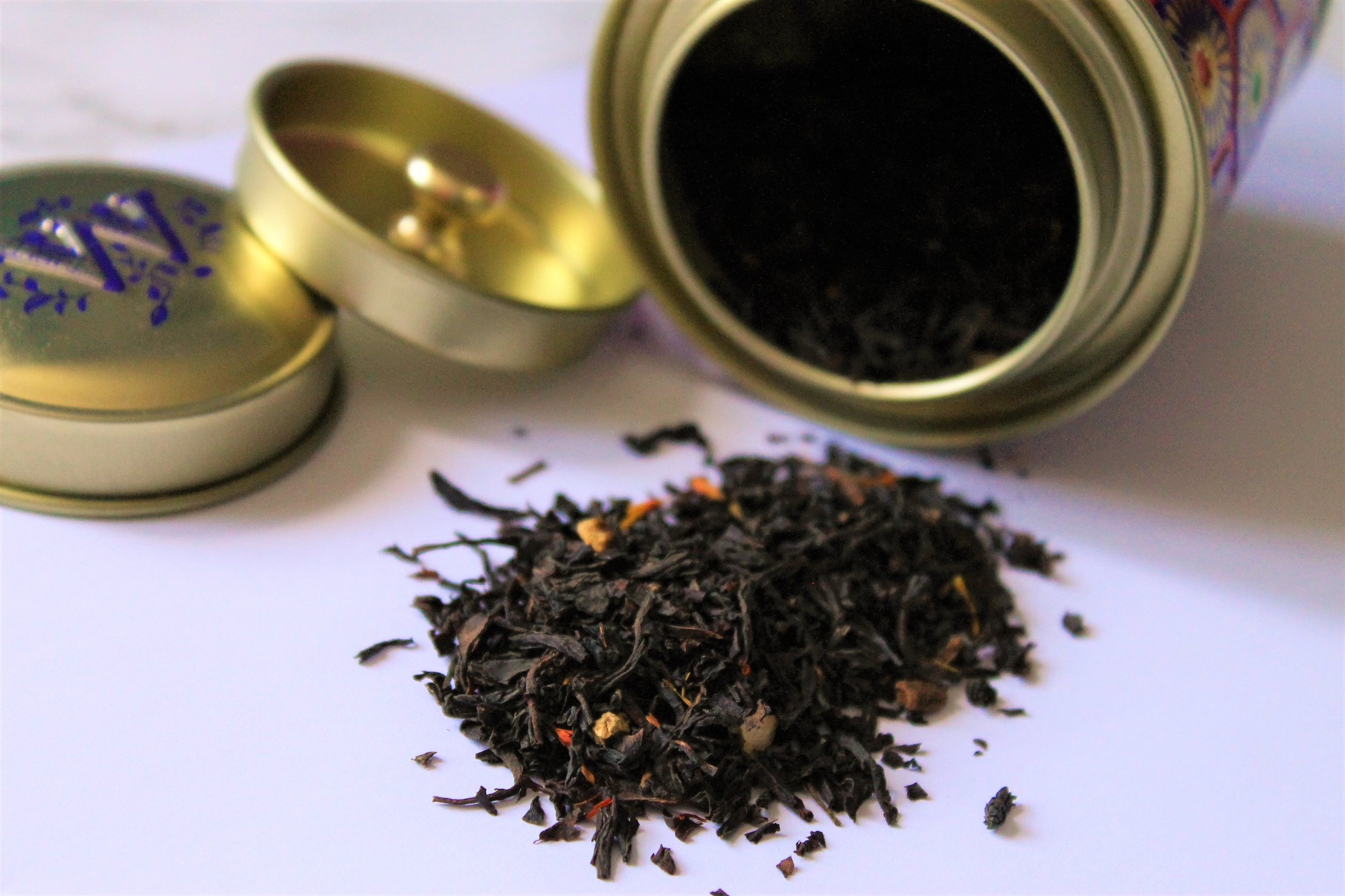flavoured black tea leaves