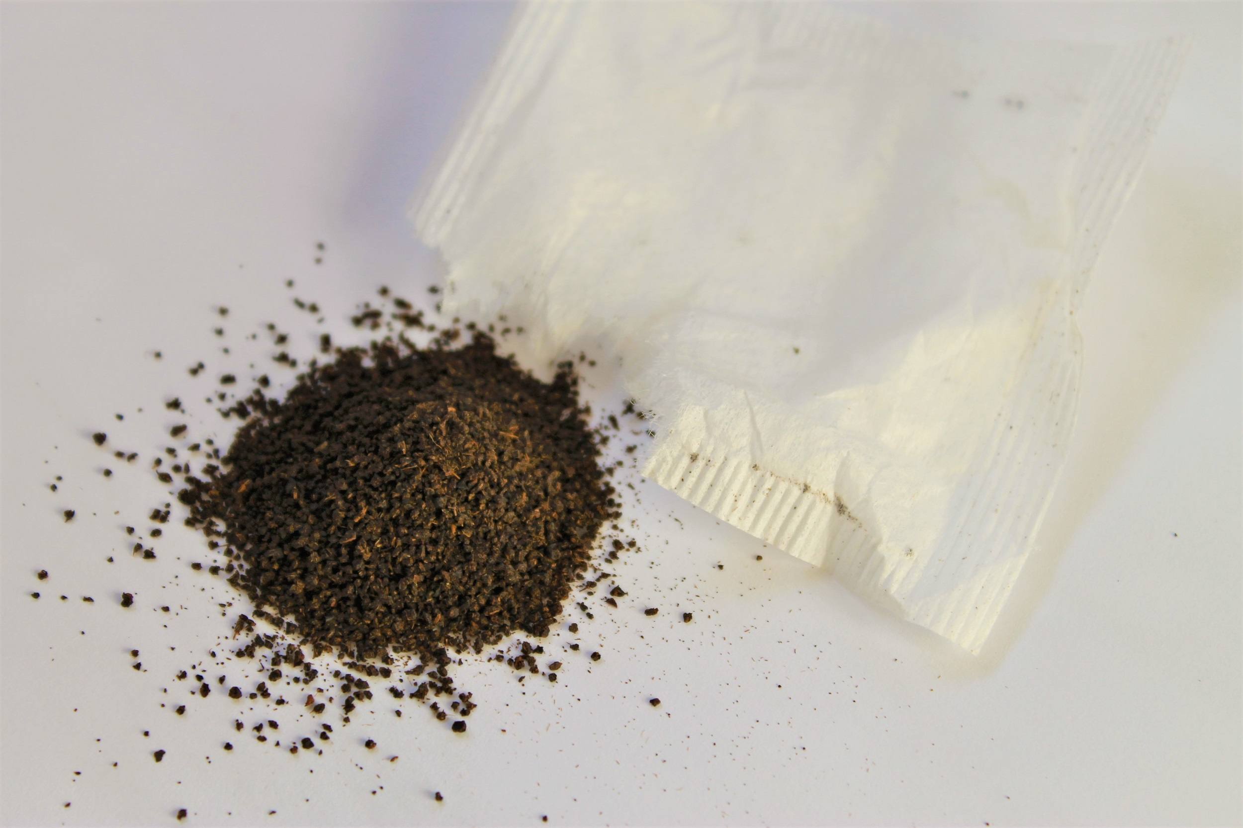 apple black tea particles