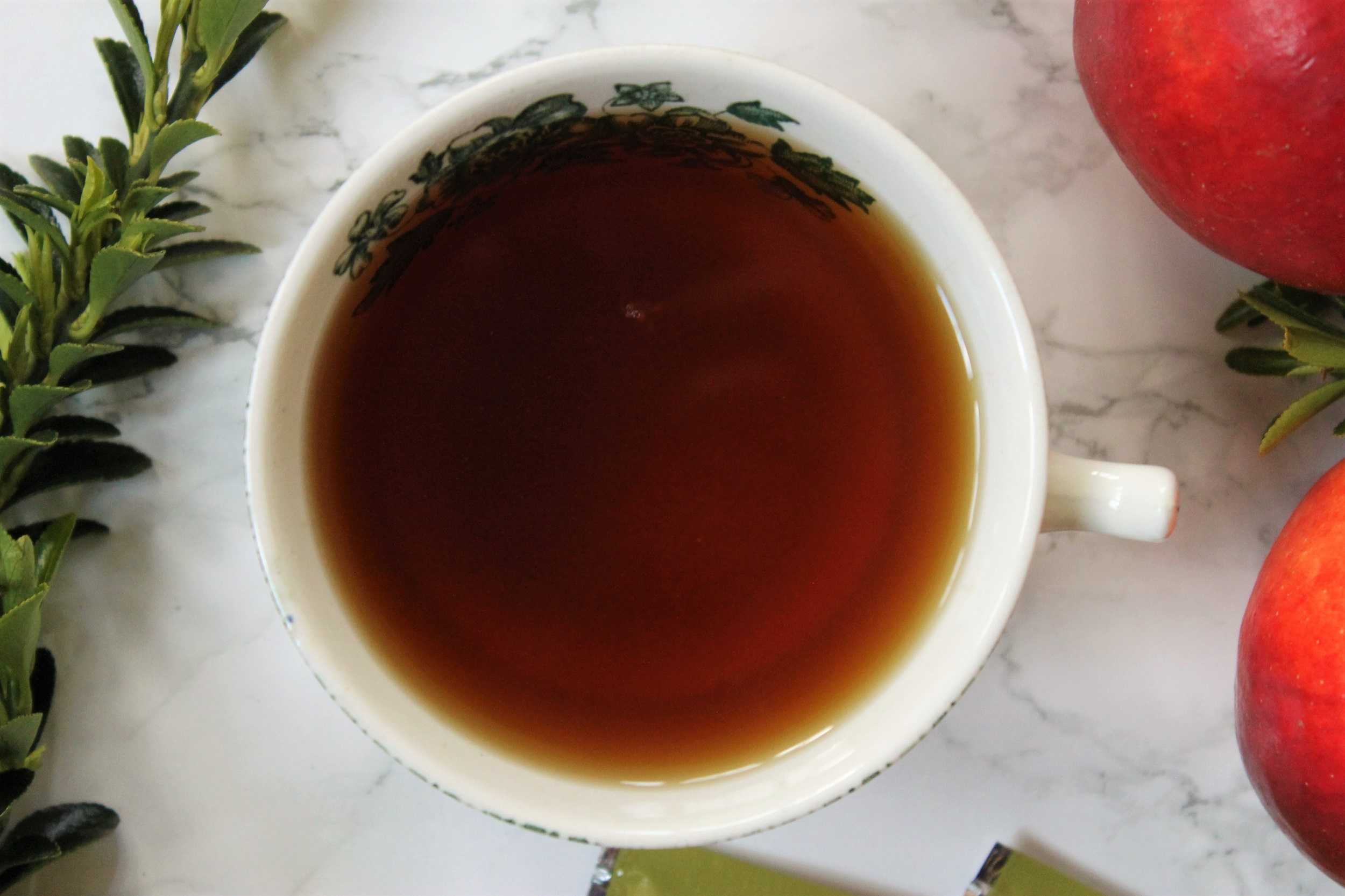apple black tea in china teacup