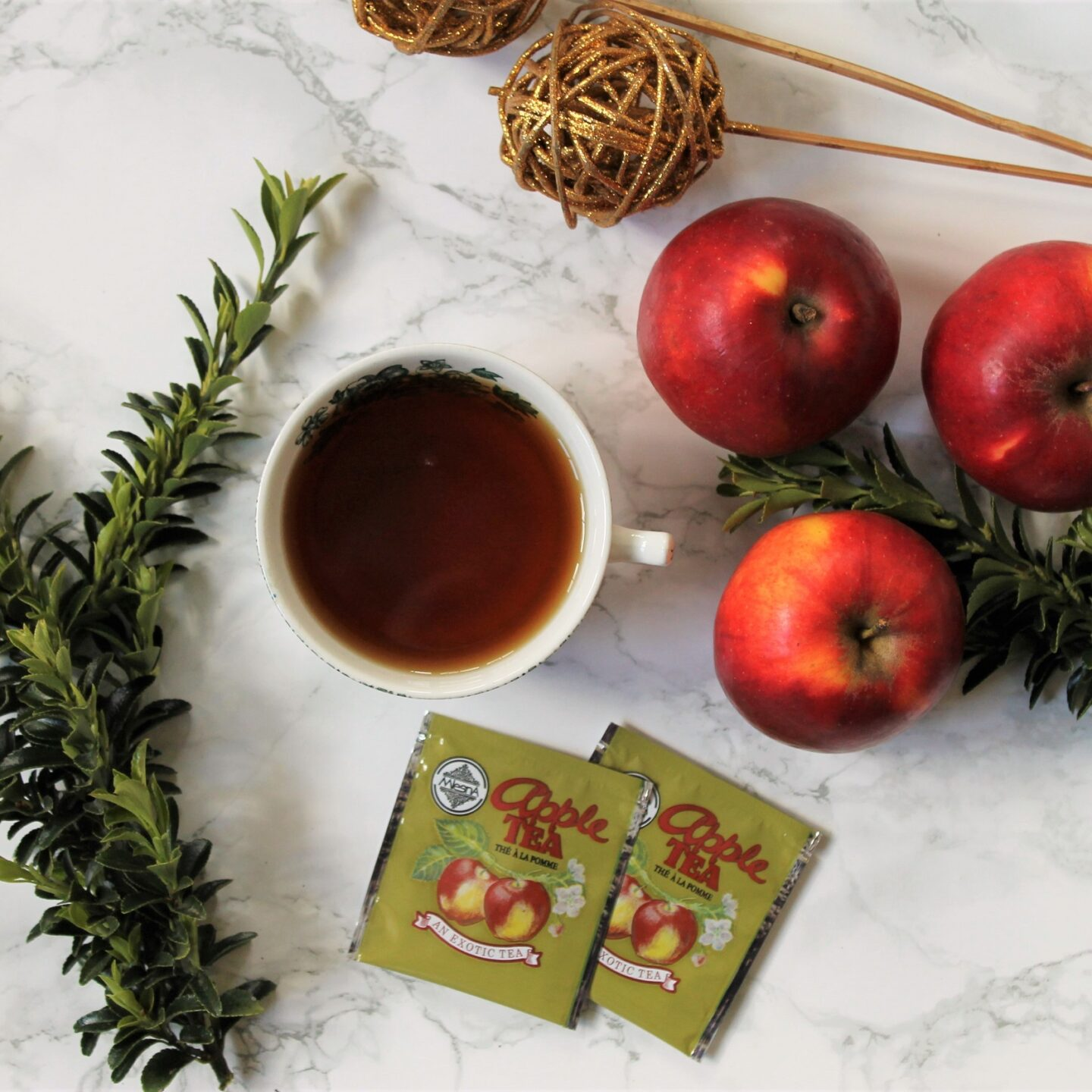 Mlesna Apple Black Tea Review