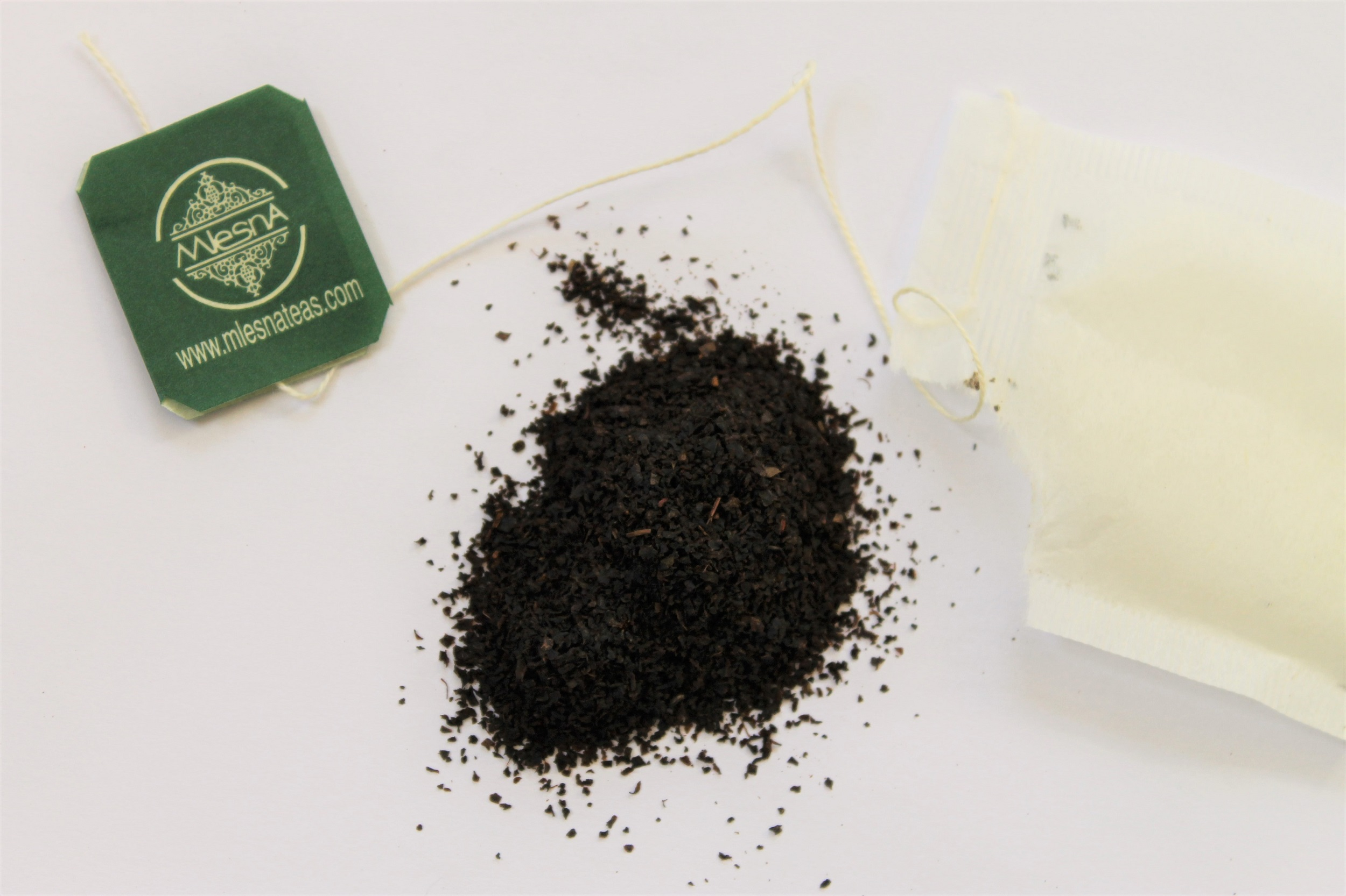 mlesna ceylon black tea with cinnamon spice pieces