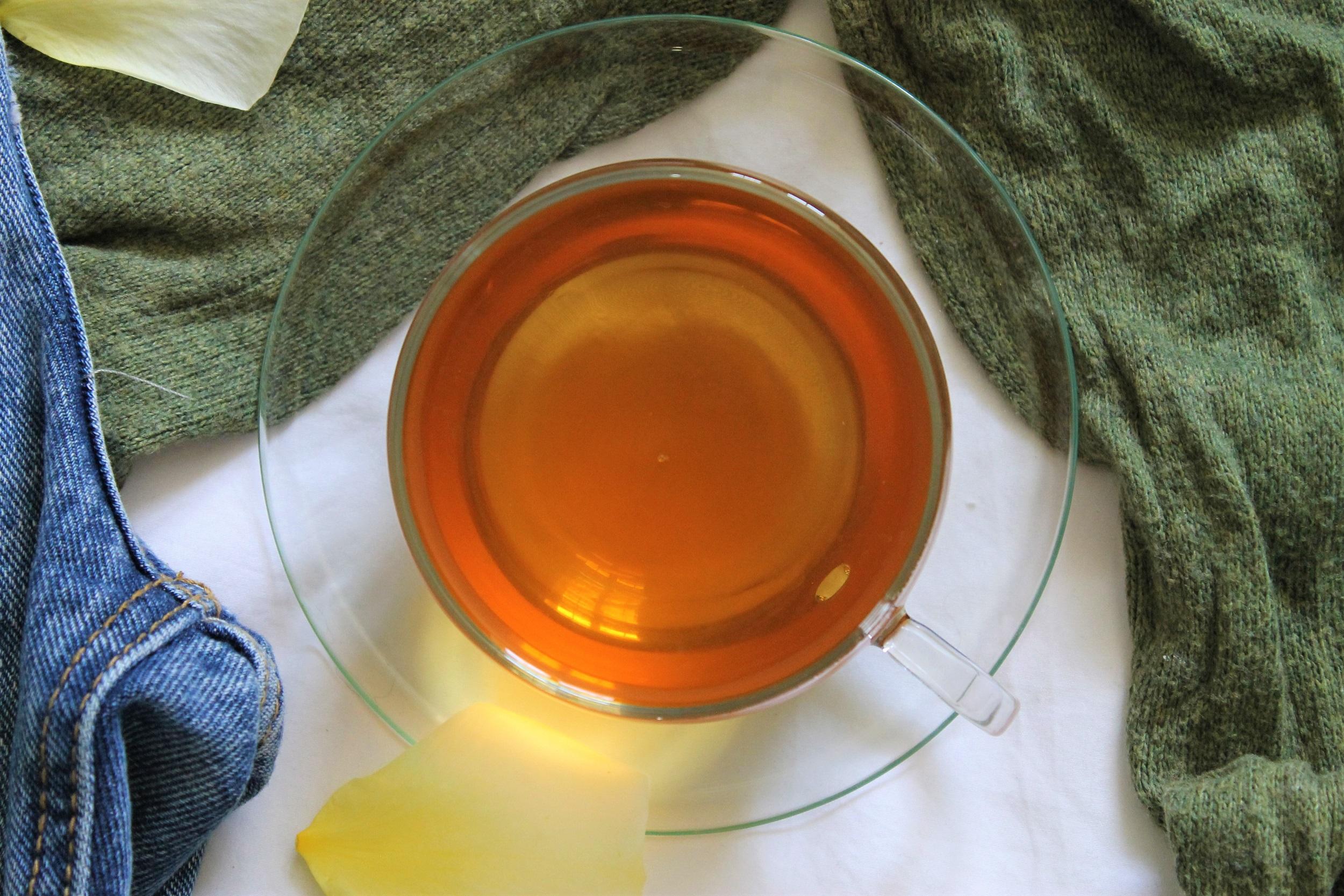 black tea with mint