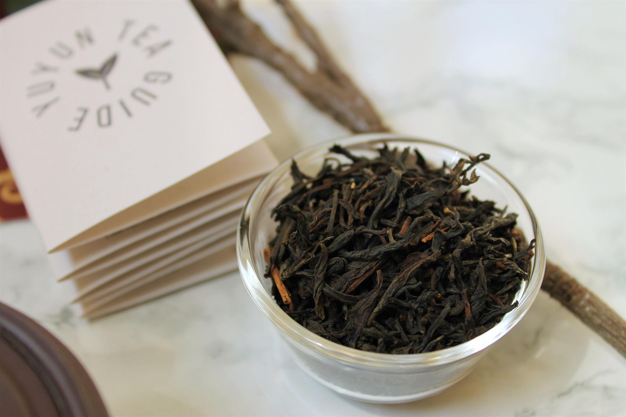 yunnan whole leaf black tea leaves