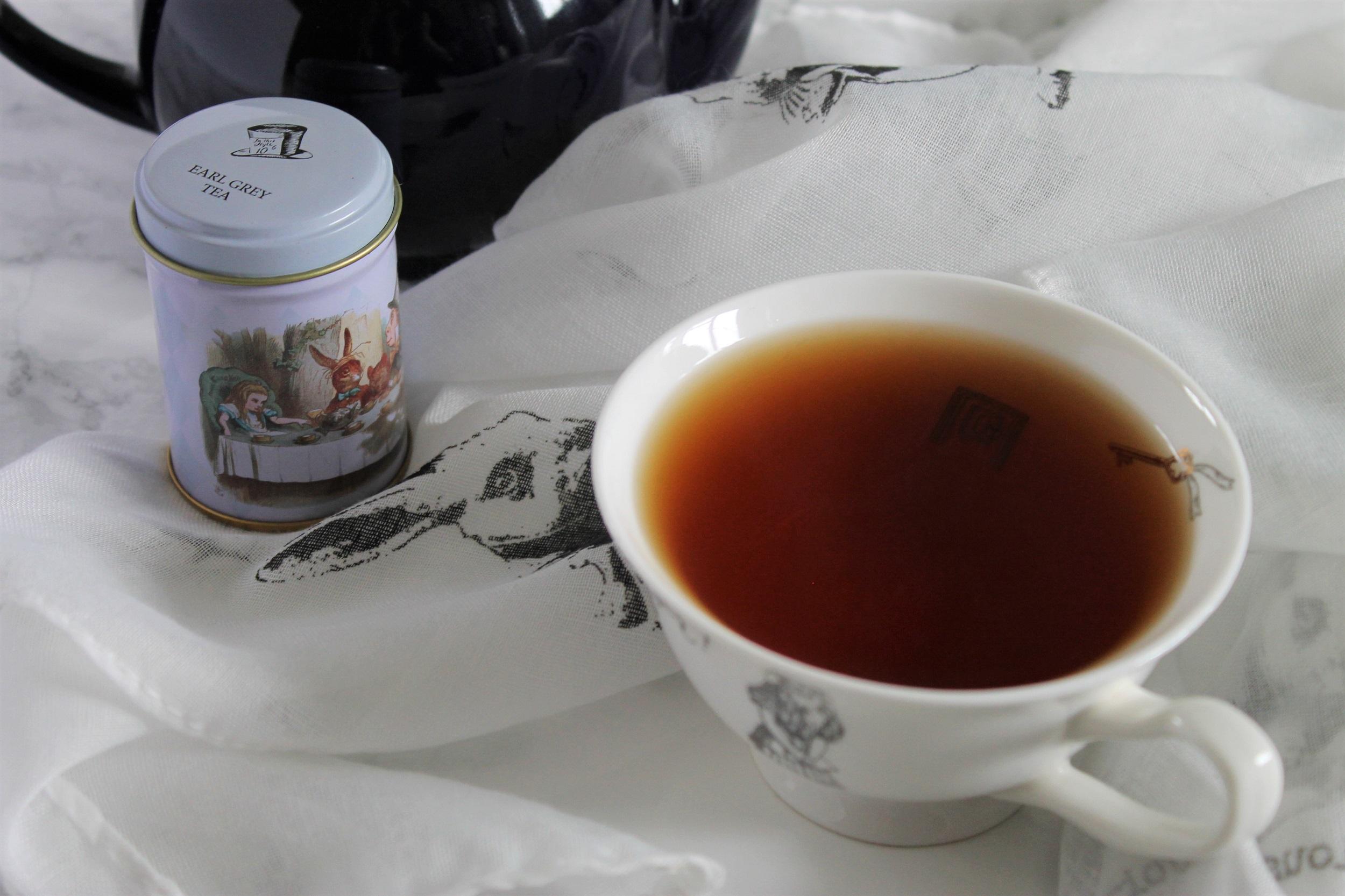 new english teas alice in wonderland set