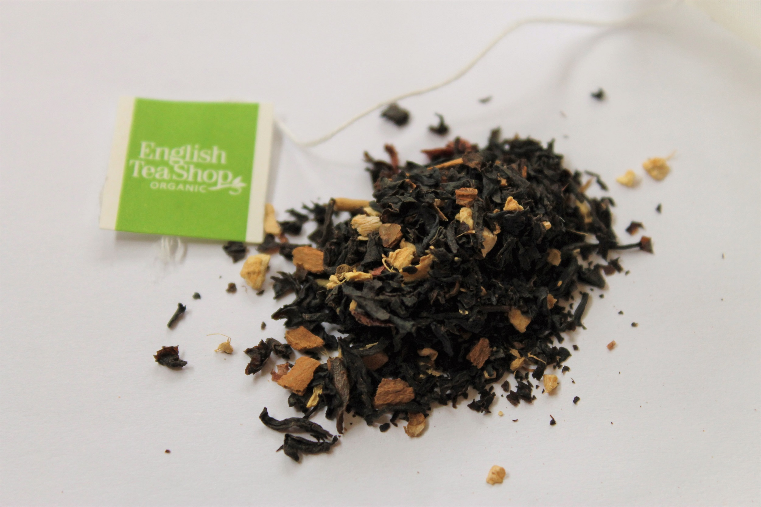 loose black tea with cranberry and ginger pieces